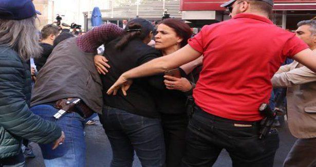 La polizia attacca i lavoratori della municipalità di  Amed /Diyarbakir