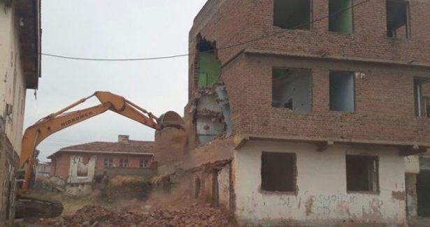 Le demolizioni sono cominciate a Sur, la polizia attacca i residenti