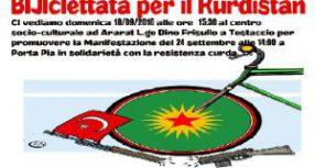In bici per il kurdistan di fronte ambasciata turca