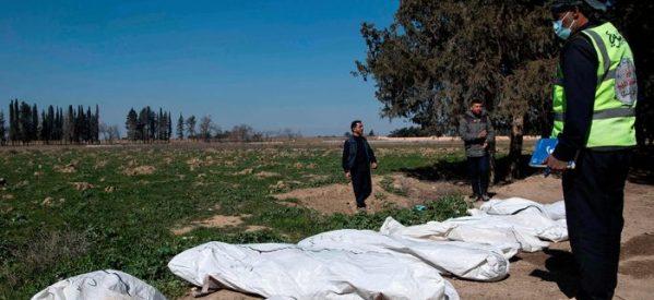 Almeno 3.500 cadaveri: individuata la fossa comune più grande dello Stato Islamico