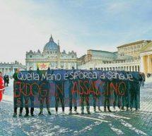 QUELLE MANI SONO SPORCHE DI SANGUE! Roma non ti vuole!  #ErdoganNotWelcome