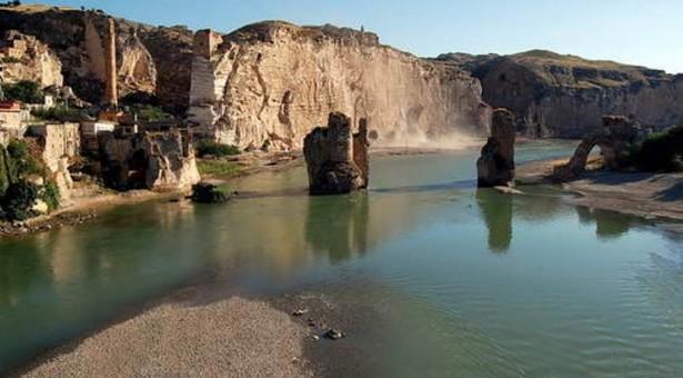 La diga idroelettrica turca lascerà centinaia senza casa, l'antica città di Hasankeyf sommersa dalle acque
