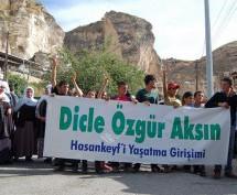 Protesta ad Hasankeyf contro gli ingiusti piani di reinsediamento e la diga di Ilisu