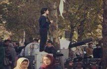 Si allargano le proteste in Iran, scendono in piazza migliaia di donne