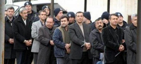 Colpo di stato politico prima delle elezioni: 89 politici curdi condannati