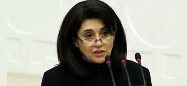 Leyla Zana estromessa dal parlamento