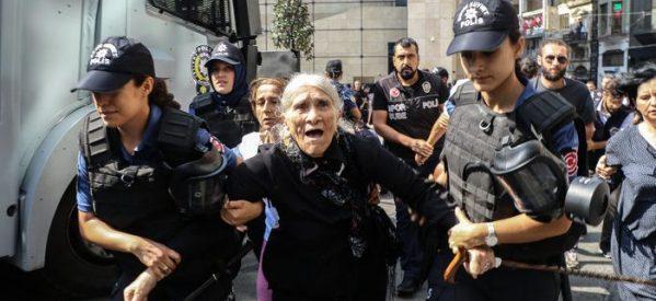 Le madri del sabato sfidano il blocco dell'AKP