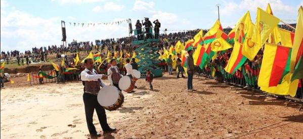 FOTO: Il Kurdistan festeggia  un altro newroz di guerra