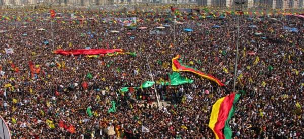 Il comitato organizzativo del Newroz : Non riconosciamo il divieto dell'AKP