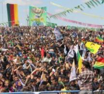 Il primo fuoco del Newroz è stato acceso al confine con Kobane