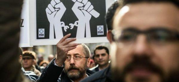 Associazione degli editori turchi: Chiuse 30 case editrici
