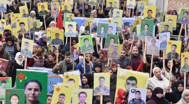 Famiglie dei martiri di Afrin: Siamo pronti a liberare Afrin e fare sacrifici